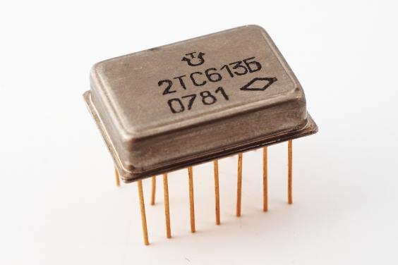 Продать конденсаторы большой емкости